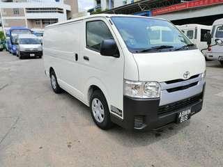 Toyota Hiace 5-Dr Auto