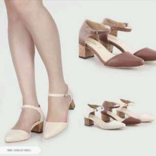 Heels Putih