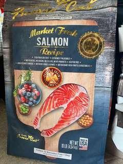 Fussie cat market fresh salmon 10lb