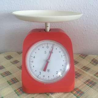 Vintage Coral Weighing Scale