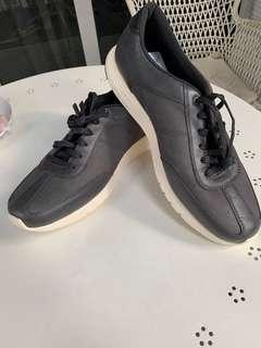 2cf787bb8cf Cole Haan Grand.OS grey leather men shoes US size 9M