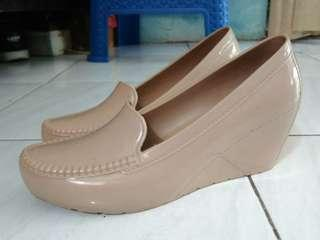 Sepatu jelly shoes bara - bara fit 36 - 37