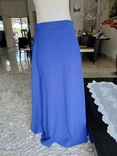Long skirt blue electric