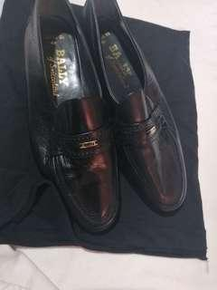 Bally shoes not Gucci versace hermes prada Givenchy bally bally bally parawet shoes