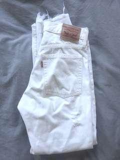 Vintage white distressed Levi jeans