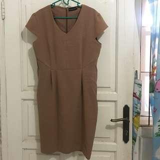 the executive brown dress