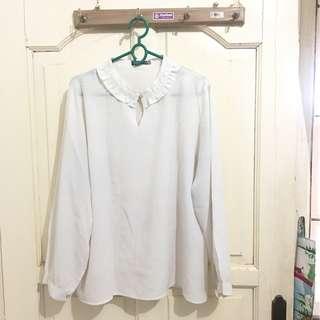 styves white shirt