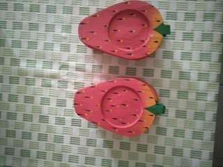Woden strawberry coaster