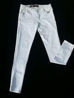White Denim Premium Jeans only 100k!
