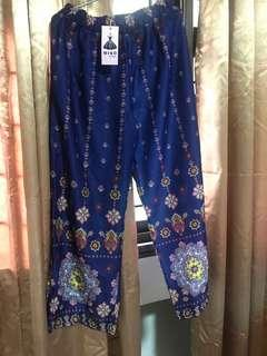 Printed pants from Miko