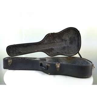 Acoustic Guitar Hard Case - Dreadnought size (USED)