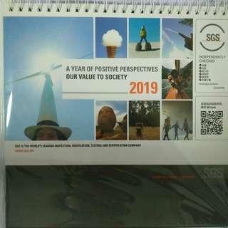 2019年 民國108年 SGS桌曆 三角直立式