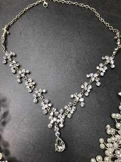🚚 喜酒 新娘 配飾 髮飾 項鍊 珍珠頭飾 宴客 伴娘 媽媽服 送客 訂婚 文訂 文定