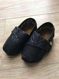 🚚 Toms黑色亮面鞋T3