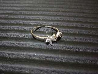 🚚 正韓小花綴碎鑽戒指 戒子