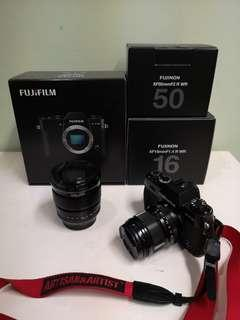 FUJI XT-10 MIRRORLESS PACKAGE with 2 Prime Lenses