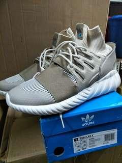 🚚 Adidas Tubular doom武士鞋 us11 us10