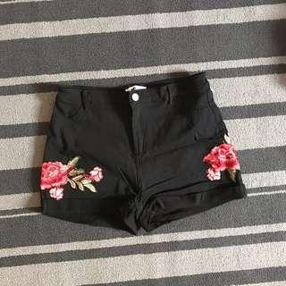 TEMPT Floral Embroidery Shorts