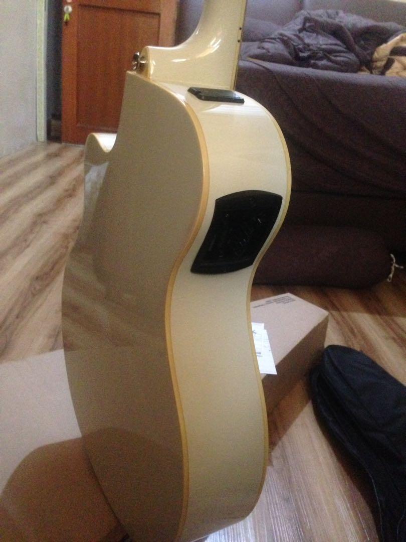 Gitar yamaha apx600 white