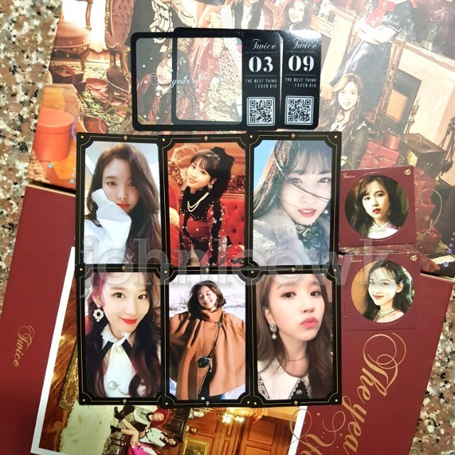[INSTOCKS] TWICE The Year Of Yes Photocard / Sticker