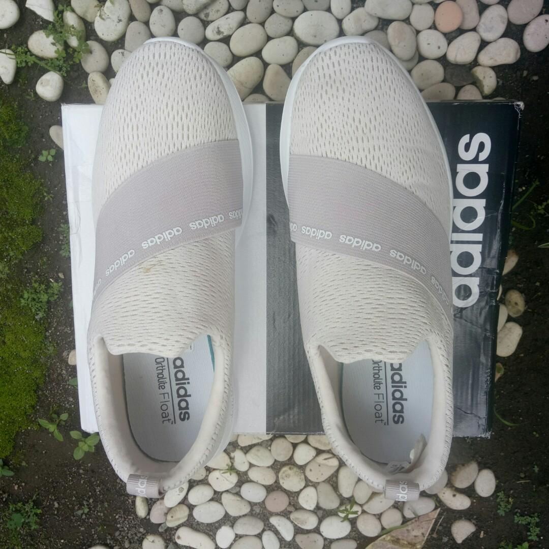 a56d08bf93b5 Sepatu Adidas CF Refine Adapt