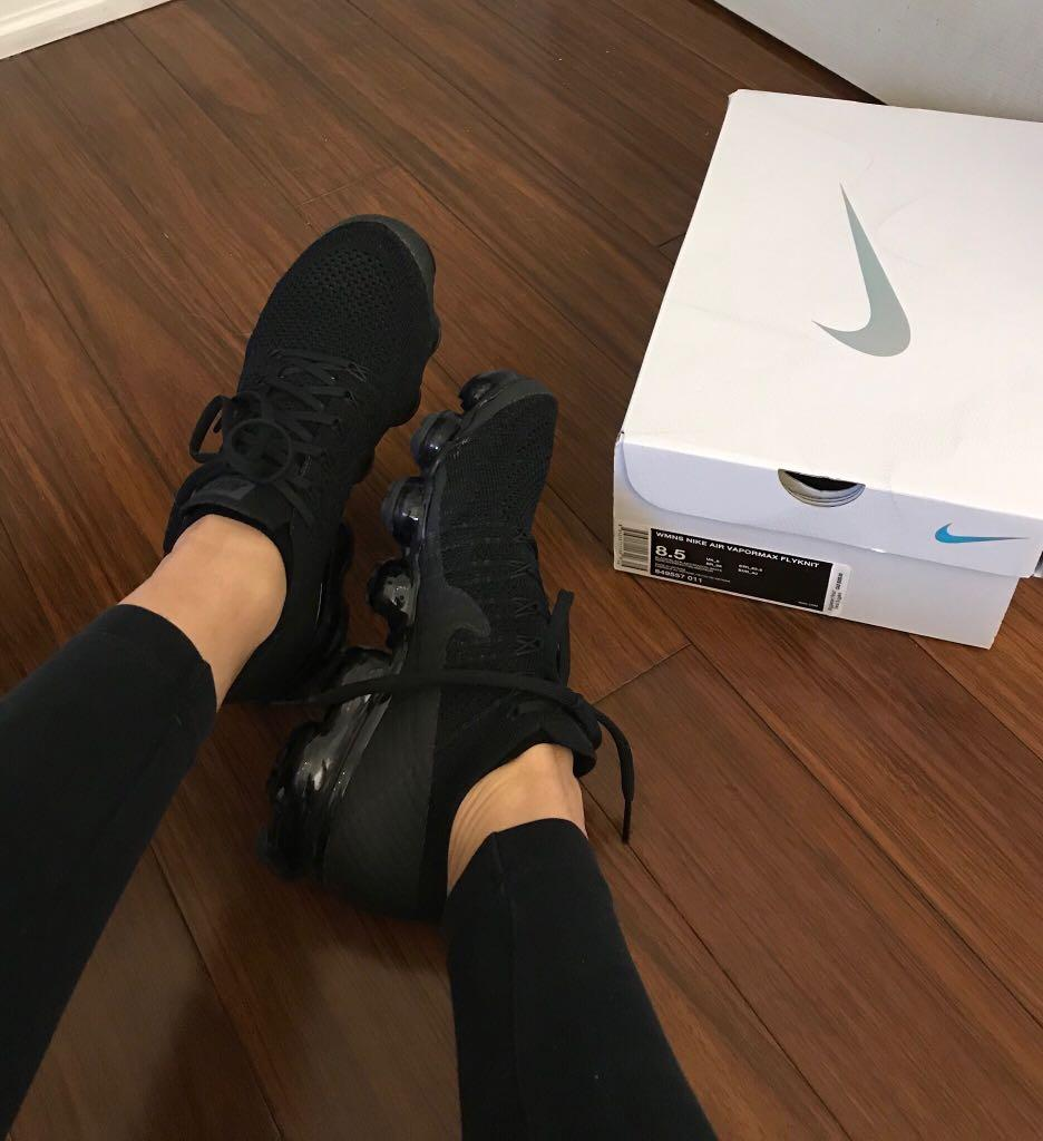 Selling Nike Flyknit VaporMax triple black