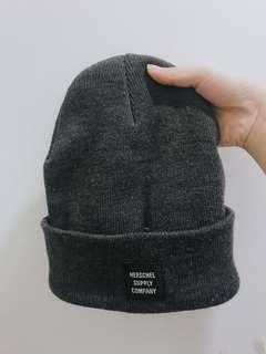 🚚 Herschel 毛帽