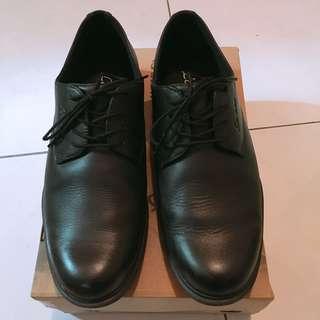 🚚 La New 男士 皮鞋 27號 歐規44  日規27  99成新  近全新  僅外出穿過一次