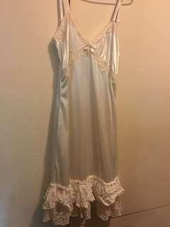 日本🇯🇵 INGNI 吊帶裙 (底裙 / 睡衣)