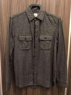 GAP 鐵灰襯衫