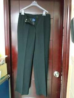 黑色西褲/裙 Black Pants or Skirt