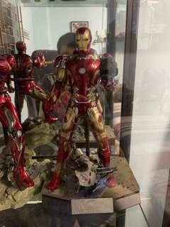Hot toy iron man mark 43