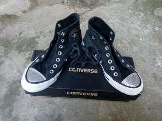 Sepatu Converse ori size 36