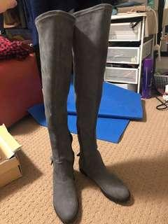 Kenneth Cole Over the knee boots sz. 6