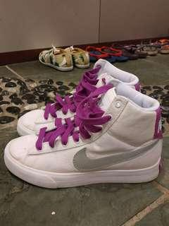 Authentic Nike Womens shoes.