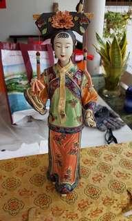 painted clay lady figure 喜上眉梢