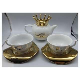 {HK-藏珍舖} 2010 HELLO KITTY 鍍金陶瓷茶壺+咖啡杯x2 (一