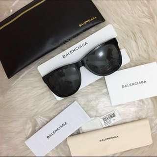 fc0b51a83c3a Brand New Authentic Balenciaga Black Sunglasses Sunnies Designer Oversized  Complete w  Case Cards  350