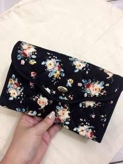 Naraya Flower Sling Bag
