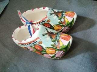 ceramic souvenir from holland
