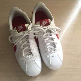 🚚 Nike 紅白阿甘鞋 23.5