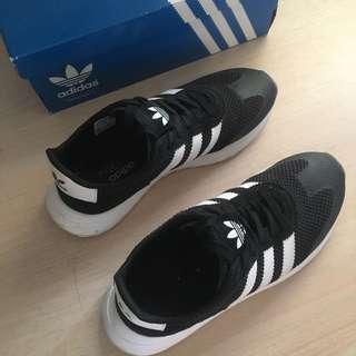 🚚 Adidas FLB W黑白 23.5