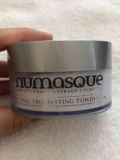 Numasque loose setting powder