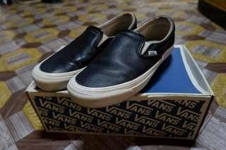 VANS black premium leather slip on (vault)