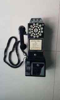 Antique looking functioning phone