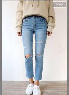 淺藍破爛露腳踝牛仔褲