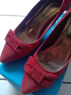 Heels Marie claire merah