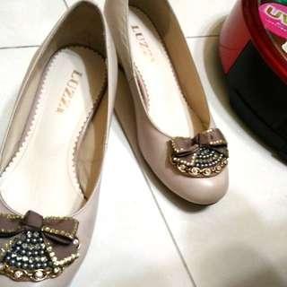 米色蝴蝶結水鑽楔型鞋(38)