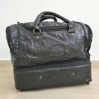 a5d320c4454b Vintage Black Leather Luggage Bag