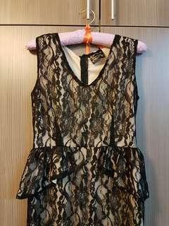 Black lace Peplum dress #PRECNY60